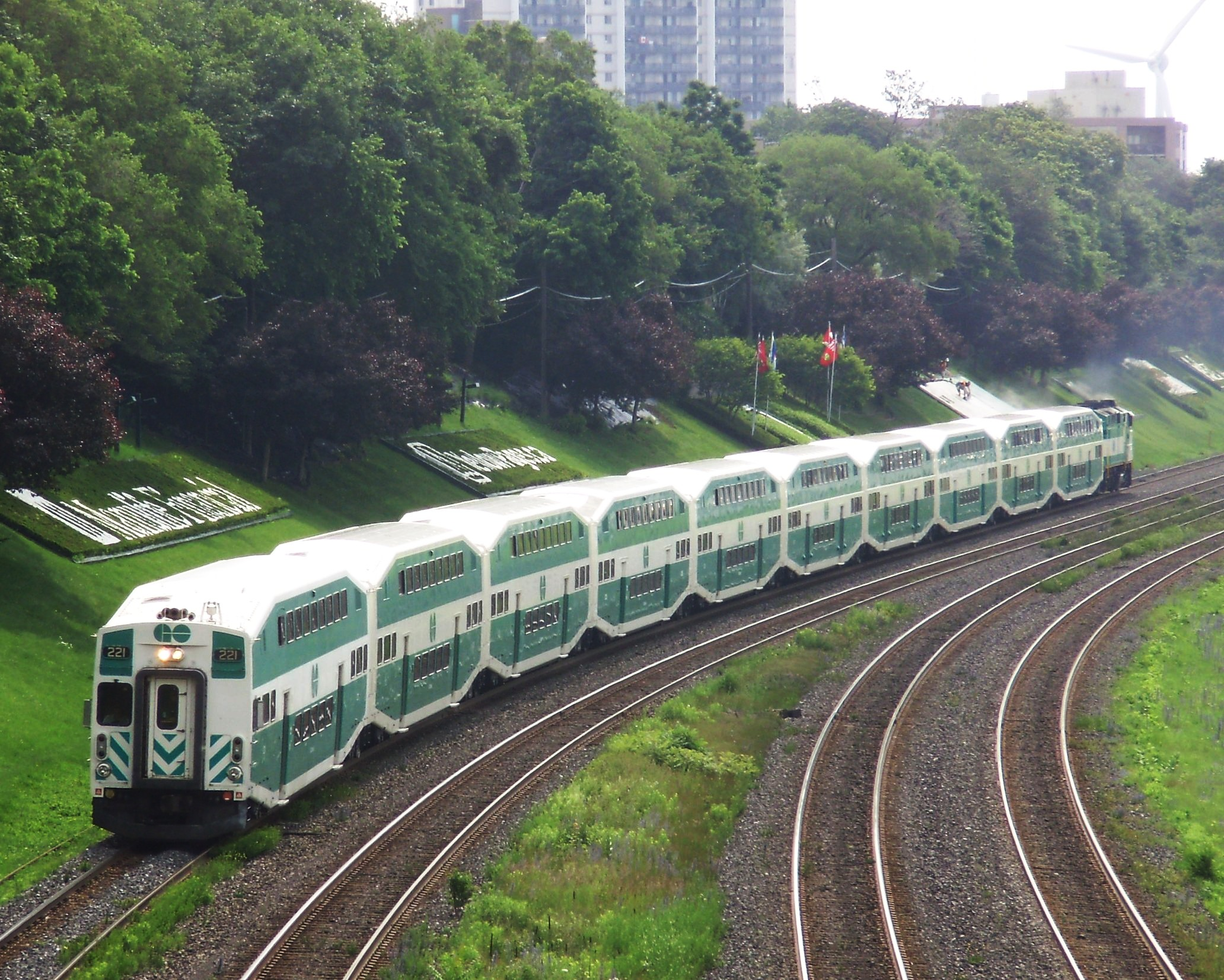 lakeshore_west_go_train_westbound